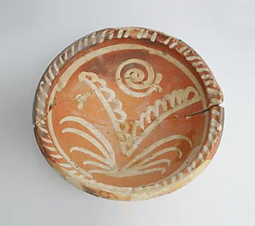 Les poteries et terres cuites vernissées